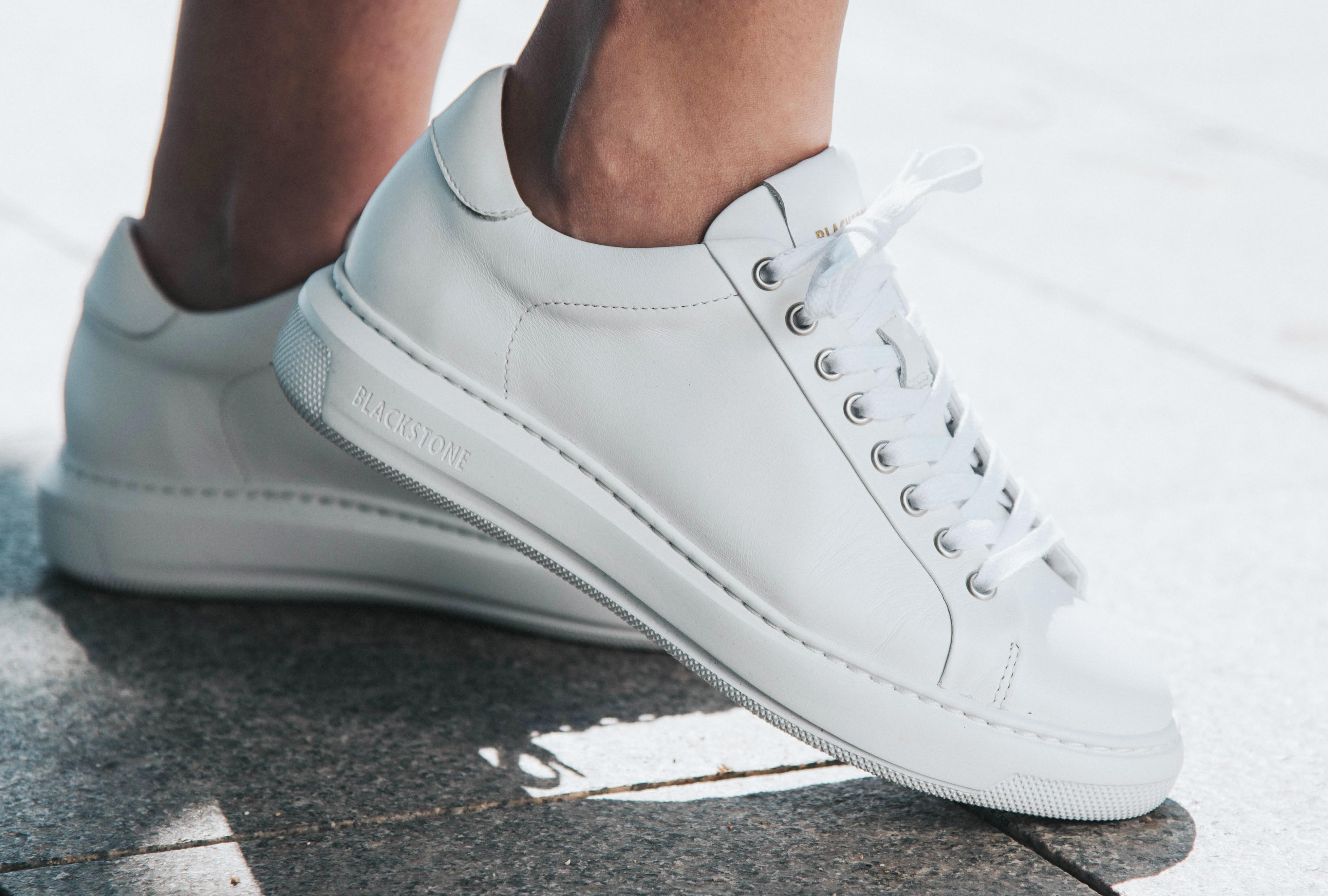 Blackstone shoes met blote voeten